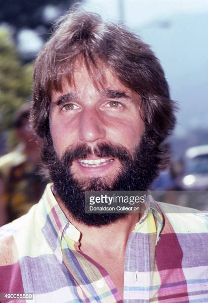 Actor Henry Winkley from the TV show 'Happy Days' attends an event with his wife Lorrie Mahaffey in August 1980 in Los Angeles California