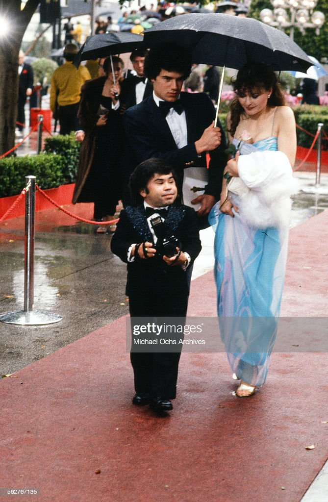 Actor <a gi-track='captionPersonalityLinkClicked' href=/galleries/search?phrase=Herve+Villechaize&family=editorial&specificpeople=1691626 ng-click='$event.stopPropagation()'>Herve Villechaize</a> with actress Kathy Self arrive to the 54th Academy Awards at Dorothy Chandler Pavilion in Los Angeles,California.