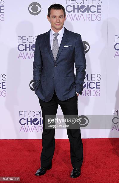 Actor Hugh Dancy arrives at the 2016 People's Choice Awards at Microsoft Theater on January 6 2016 in Los Angeles California