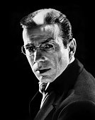 Actor Humphrey Bogart poses for a publicity still for the Warner Bros film 'The Return of Doctor X' in 1939 in Los Angeles California