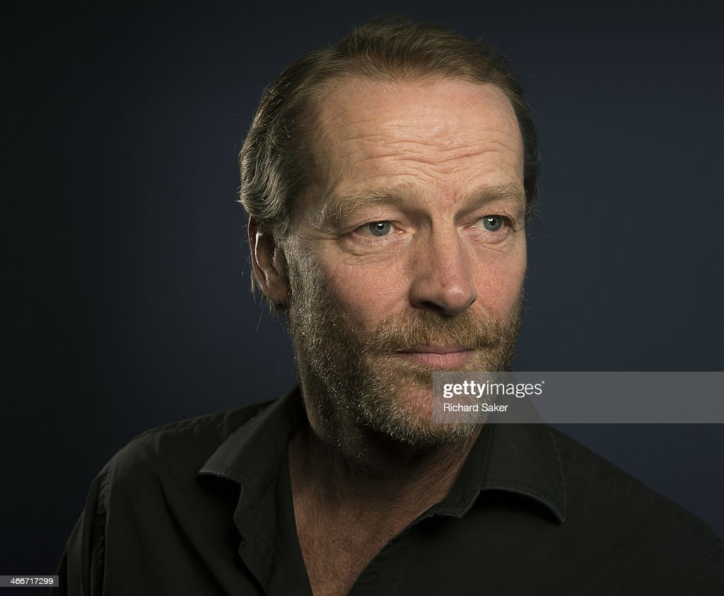 iain glen how tall