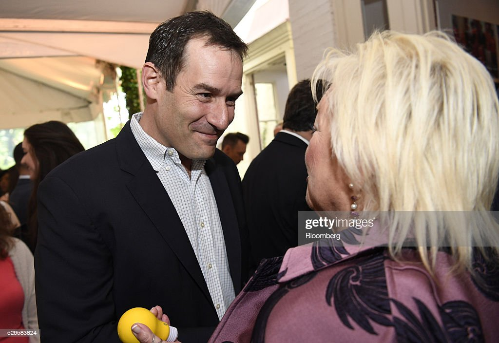 Actor Ian Kahn, left, attends the 23rd Annual White House Correspondents' Garden Brunch in Washington, D.C., U.S., on Saturday, April 30, 2016. The event will raise awareness for Halcyon Incubator, an organization that supports early stage social entrepreneurs 'seeking to change the world' through an immersive 18-month fellowship program. Photographer: David Paul Morris/Bloomberg via Getty Images