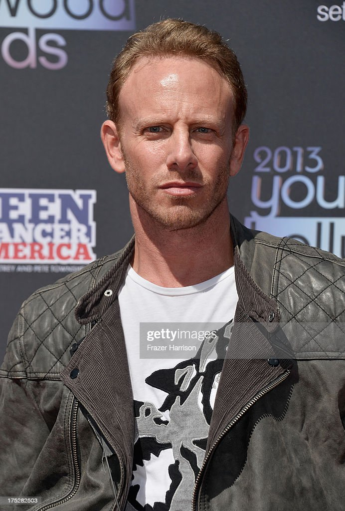 Actor <a gi-track='captionPersonalityLinkClicked' href=/galleries/search?phrase=Ian+Ziering&family=editorial&specificpeople=622264 ng-click='$event.stopPropagation()'>Ian Ziering</a> attends CW Network's 2013 Young Hollywood Awards presented by Crest 3D White and SodaStream held at The Broad Stage on August 1, 2013 in Santa Monica, California.