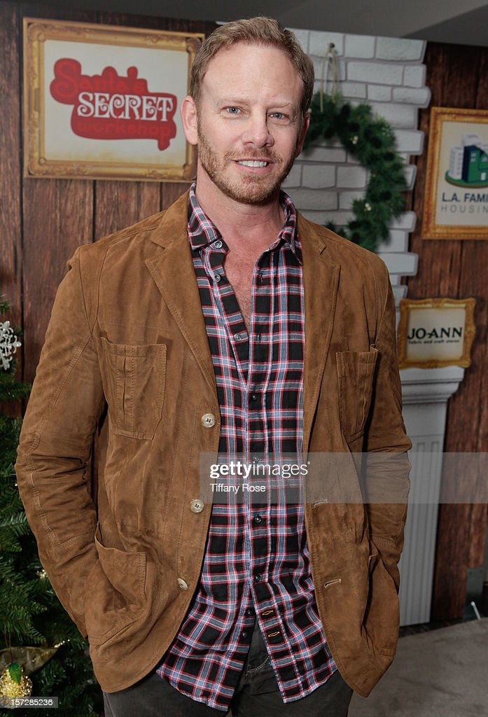 Actor <a gi-track='captionPersonalityLinkClicked' href=/galleries/search?phrase=Ian+Ziering&family=editorial&specificpeople=622264 ng-click='$event.stopPropagation()'>Ian Ziering</a> attends the 2nd Annual Santa's Secret Workshop Benefiting L.A. Family Housing at Andaz on December 1, 2012 in West Hollywood, California.