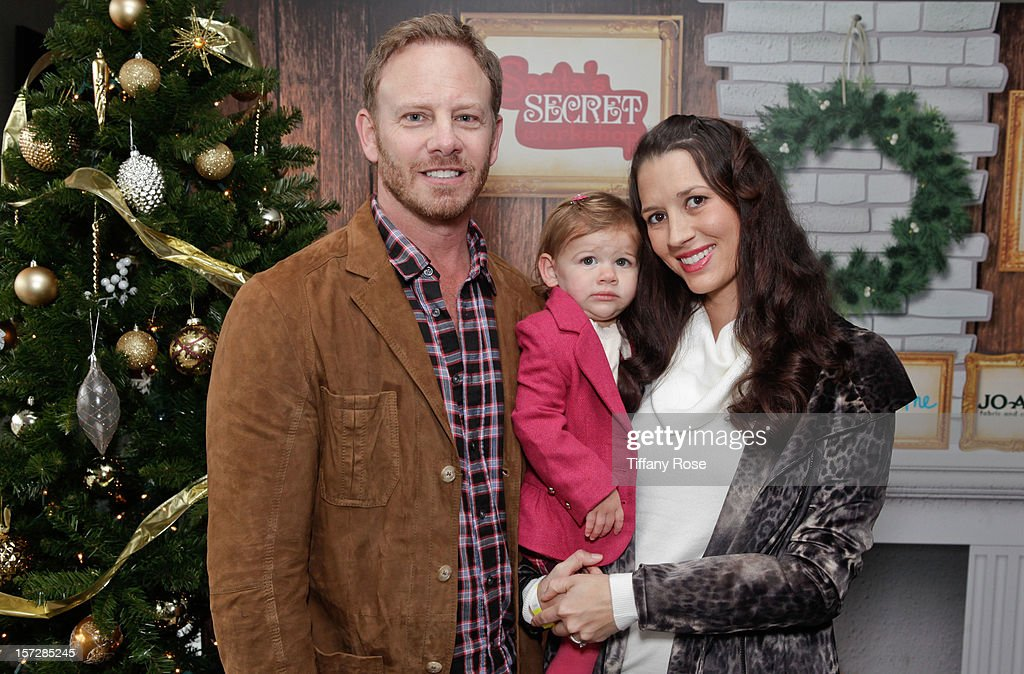 Actor <a gi-track='captionPersonalityLinkClicked' href=/galleries/search?phrase=Ian+Ziering&family=editorial&specificpeople=622264 ng-click='$event.stopPropagation()'>Ian Ziering</a>, daugher Mia Ziering and wife <a gi-track='captionPersonalityLinkClicked' href=/galleries/search?phrase=Erin+Ziering&family=editorial&specificpeople=7073417 ng-click='$event.stopPropagation()'>Erin Ziering</a> attend the 2nd Annual Santa's Secret Workshop Benefiting L.A. Family Housing at Andaz on December 1, 2012 in West Hollywood, California.