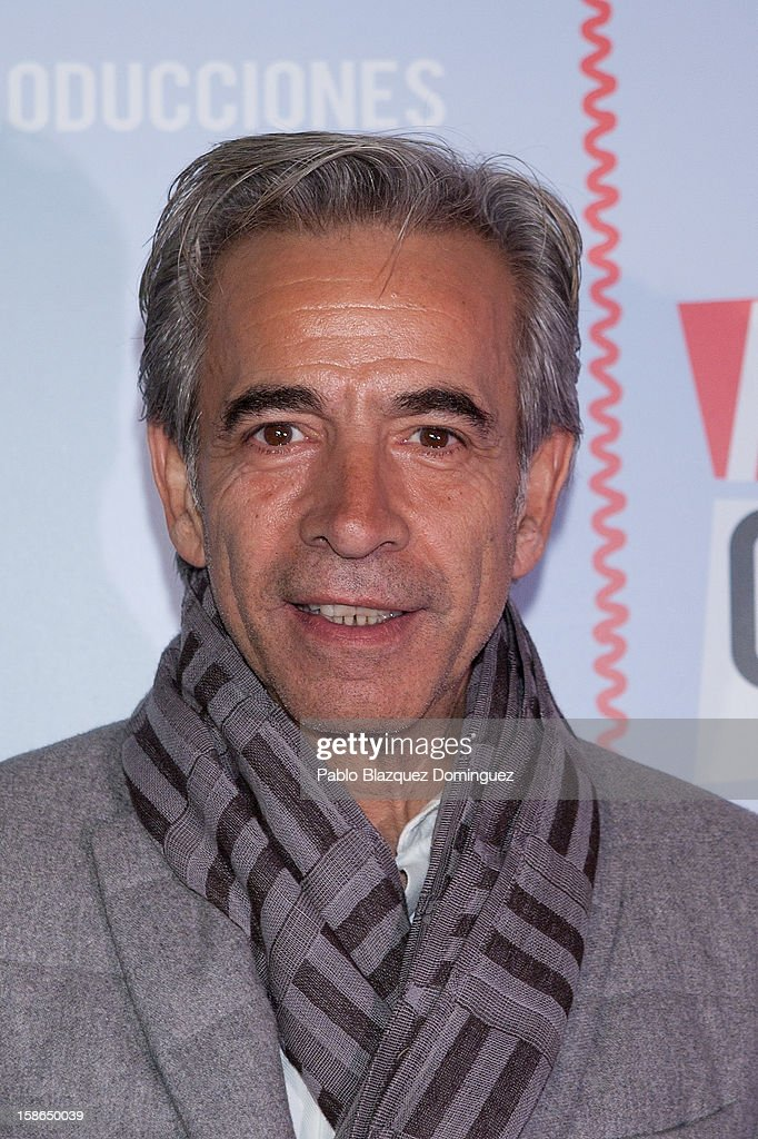 Actor Imanol Arias attends 'Absolutamente Comprometidos' premiere at Teatro del Arte de Madrid on December 22, 2012 in Madrid, Spain.