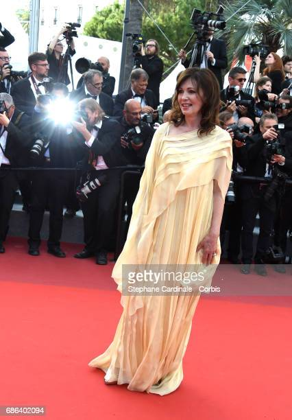 Actor Iris Berben attends 'The Meyerowitz Stories' premiere during the 70th annual Cannes Film Festival at Palais des Festivals on May 21 2017 in...