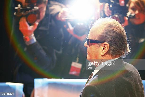 US actor Jack Nicholson poses for photographers on the red carpet prior the German Premiere of his movie 'The Bucket list' directed by Director Rob...