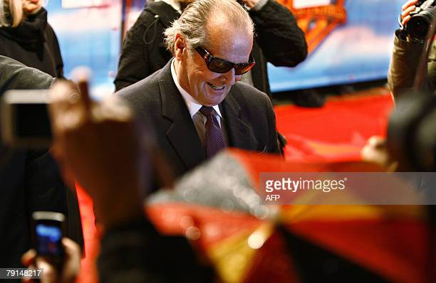 US actor Jack Nicholson signs autographs on the red carpet prior the German Premiere of his movie 'The Bucket list' directed by Director Rob Reiner...