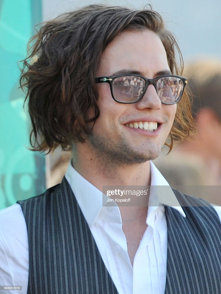 Actor Jackson Rathbone arrives at the Teen Choice Awards 2009 held at the Gibson Amphitheatre on August 9, 2009 in Universal City, California.
