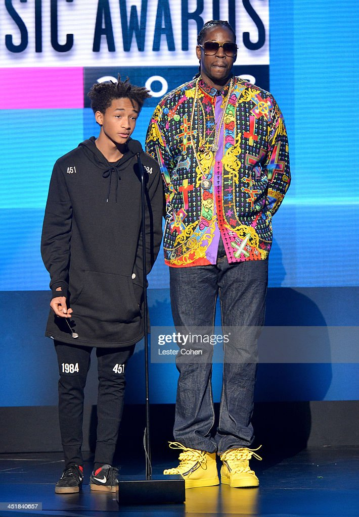 Actor <a gi-track='captionPersonalityLinkClicked' href=/galleries/search?phrase=Jaden+Smith&family=editorial&specificpeople=709174 ng-click='$event.stopPropagation()'>Jaden Smith</a> (L) and recording artist <a gi-track='captionPersonalityLinkClicked' href=/galleries/search?phrase=2+Chainz&family=editorial&specificpeople=8559144 ng-click='$event.stopPropagation()'>2 Chainz</a> speak onstage during the 2013 American Music Awards at Nokia Theatre L.A. Live on November 24, 2013 in Los Angeles, California.