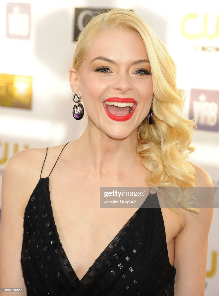 Actor <a gi-track='captionPersonalityLinkClicked' href=/galleries/search?phrase=Jaime+King+-+Actress&family=editorial&specificpeople=206809 ng-click='$event.stopPropagation()'>Jaime King</a> attends The 18th Annual Critics' Choice Awards held at Barker Hangar on January 10, 2013 in Santa Monica, California.