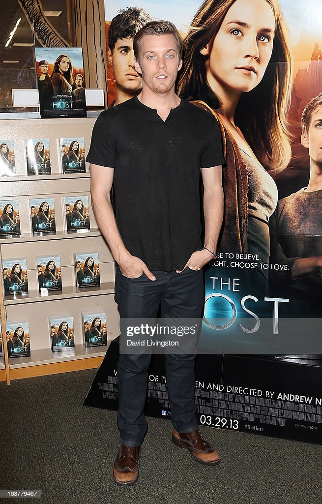 Actor Jake Abel attends a signing for Stephenie Meyer's book 'The Host' at Barnes & Noble bookstore at The Grove on March 15, 2013 in Los Angeles, California.