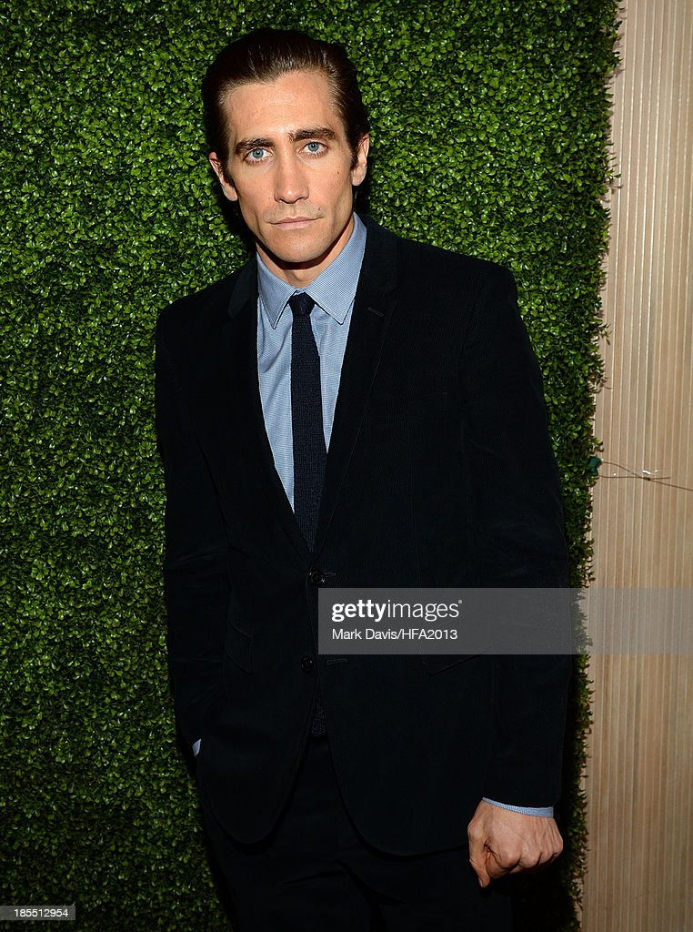 Actor <a gi-track='captionPersonalityLinkClicked' href=/galleries/search?phrase=Jake+Gyllenhaal&family=editorial&specificpeople=201833 ng-click='$event.stopPropagation()'>Jake Gyllenhaal</a> arrives at the 17th annual Hollywood Film Awards at The Beverly Hilton Hotel on October 21, 2013 in Beverly Hills, California.