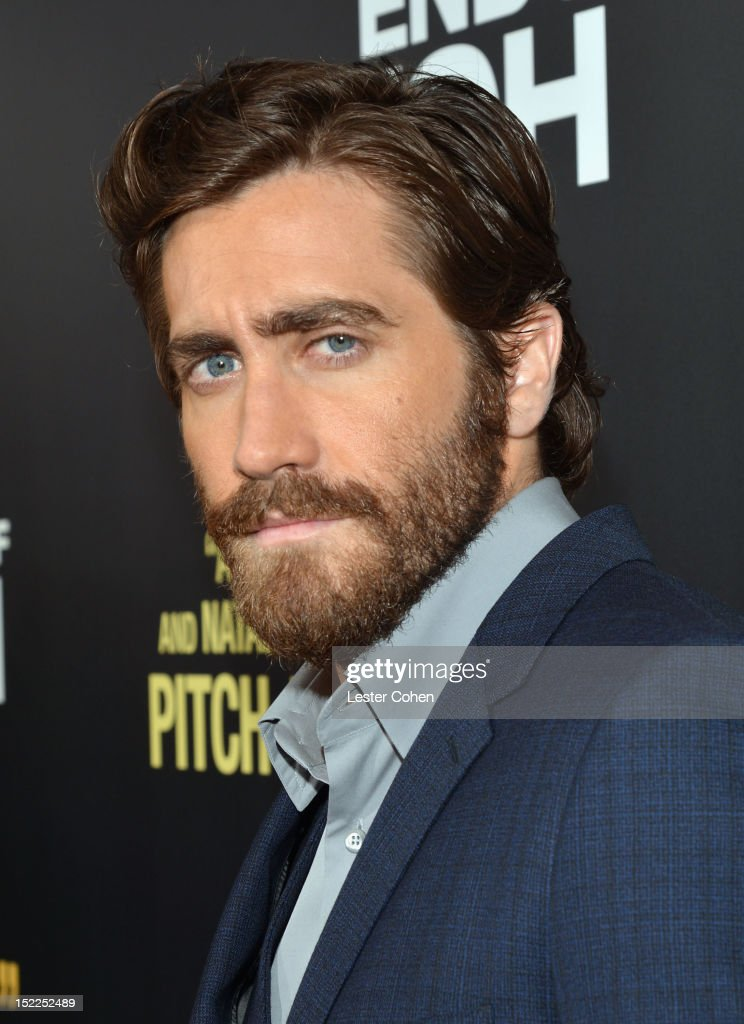 Actor <a gi-track='captionPersonalityLinkClicked' href=/galleries/search?phrase=Jake+Gyllenhaal&family=editorial&specificpeople=201833 ng-click='$event.stopPropagation()'>Jake Gyllenhaal</a> arrives at the 'End Of Watch' Los Angeles Premiere at Regal Cinemas L.A. Live on September 17, 2012 in Los Angeles, California.