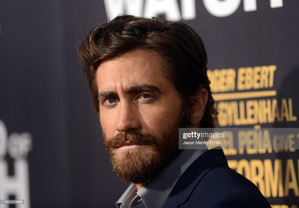 Actor <a gi-track='captionPersonalityLinkClicked' href=/galleries/search?phrase=Jake+Gyllenhaal&family=editorial&specificpeople=201833 ng-click='$event.stopPropagation()'>Jake Gyllenhaal</a> arrives at the premiere of Open Road Films' 'End of Watch' at Regal Cinemas L.A. Live on September 17, 2012 in Los Angeles, California.