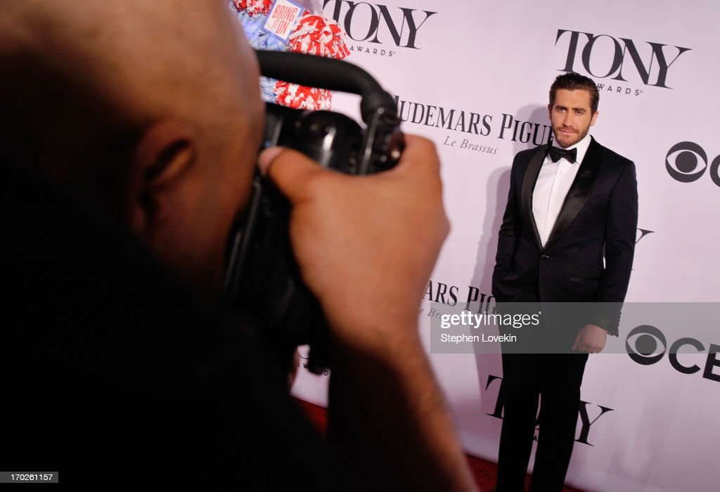 Actor <a gi-track='captionPersonalityLinkClicked' href=/galleries/search?phrase=Jake+Gyllenhaal&family=editorial&specificpeople=201833 ng-click='$event.stopPropagation()'>Jake Gyllenhaal</a> attends The 2013 Tony Awards on June 9, 2013 in New York City.