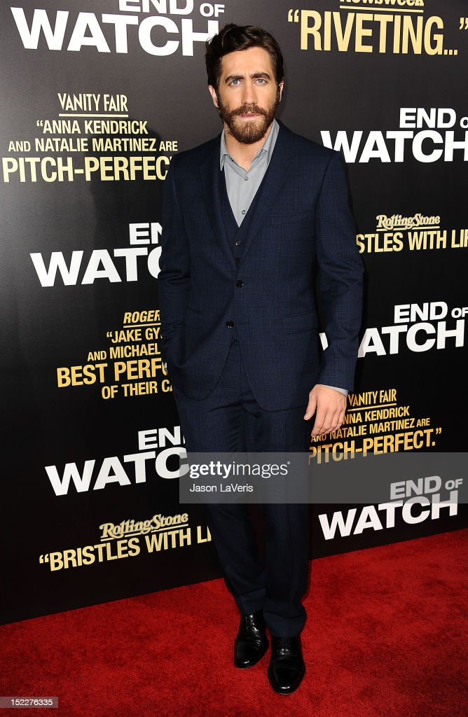 Actor <a gi-track='captionPersonalityLinkClicked' href=/galleries/search?phrase=Jake+Gyllenhaal&family=editorial&specificpeople=201833 ng-click='$event.stopPropagation()'>Jake Gyllenhaal</a> attends the premiere of 'End of Watch' at Regal Cinemas L.A. Live on September 17, 2012 in Los Angeles, California.