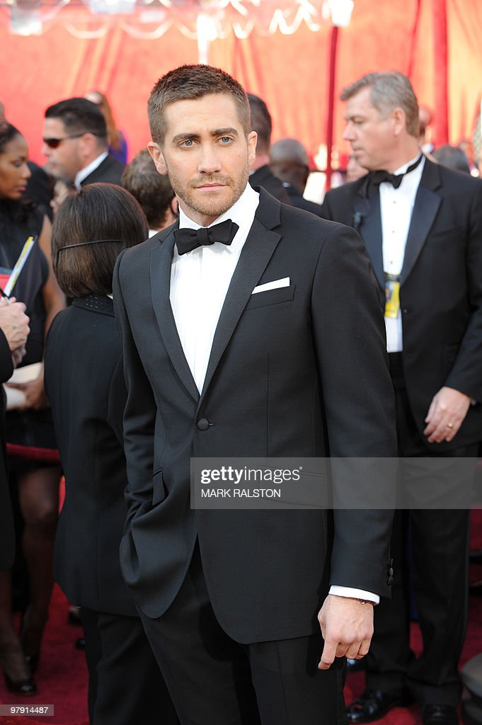 Actor Jake Gyllenhaal poses at the 82nd Academy Awards at the Kodak Theater in Hollywood, California on March 07, 2010. AFP PHOTO Mark RALSTON