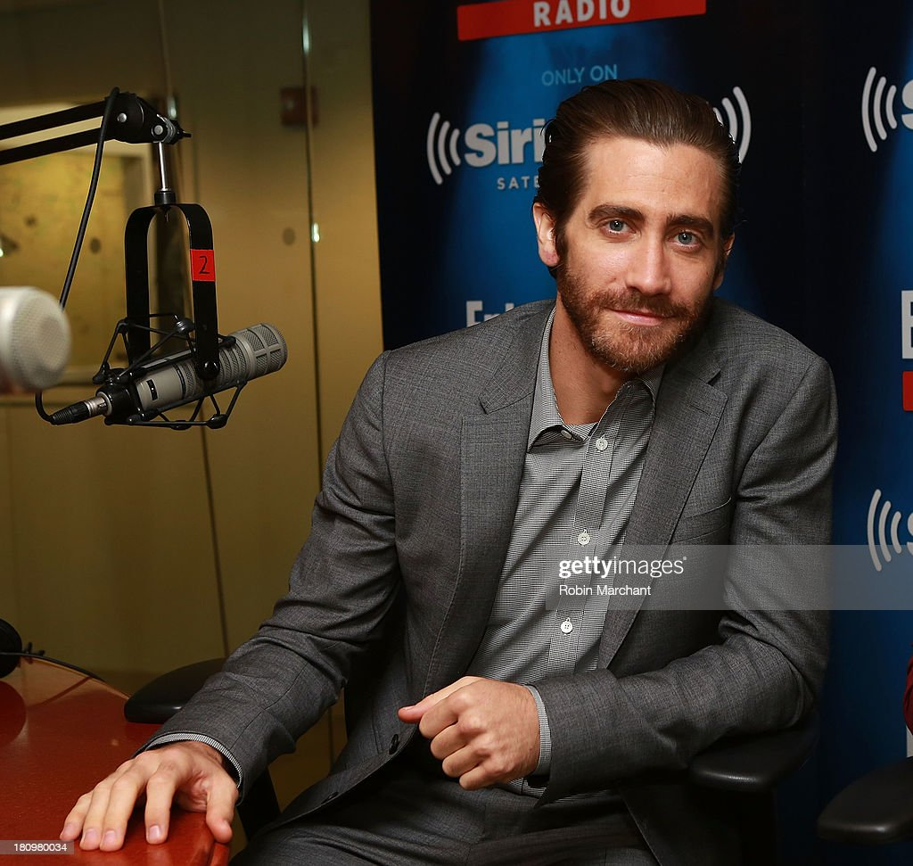 Actor <a gi-track='captionPersonalityLinkClicked' href=/galleries/search?phrase=Jake+Gyllenhaal&family=editorial&specificpeople=201833 ng-click='$event.stopPropagation()'>Jake Gyllenhaal</a> visits SiriusXM's Entertainment Weekly Radio 'Editor's Hour' at SiriusXM Studios on September 18, 2013 in New York City.