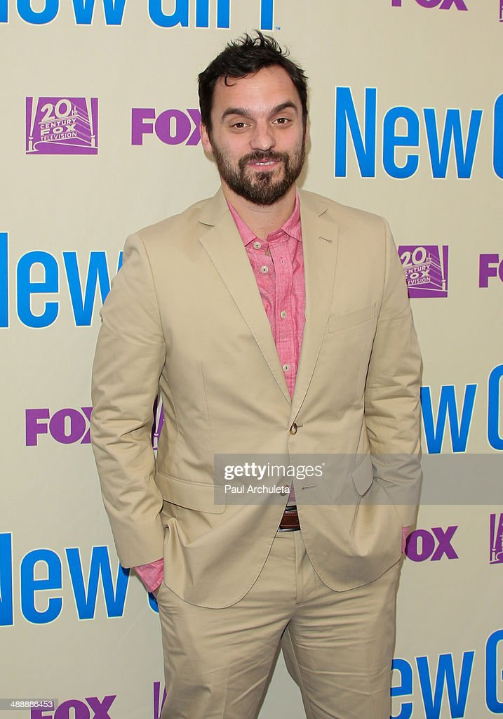 Actor <a gi-track='captionPersonalityLinkClicked' href=/galleries/search?phrase=Jake+Johnson+-+Actor&family=editorial&specificpeople=11543114 ng-click='$event.stopPropagation()'>Jake Johnson</a> attends the 'New Girl' season 3 screening and cast Q&A at Zanuck Theater at 20th Century Fox Lot on May 8, 2014 in Los Angeles, California.