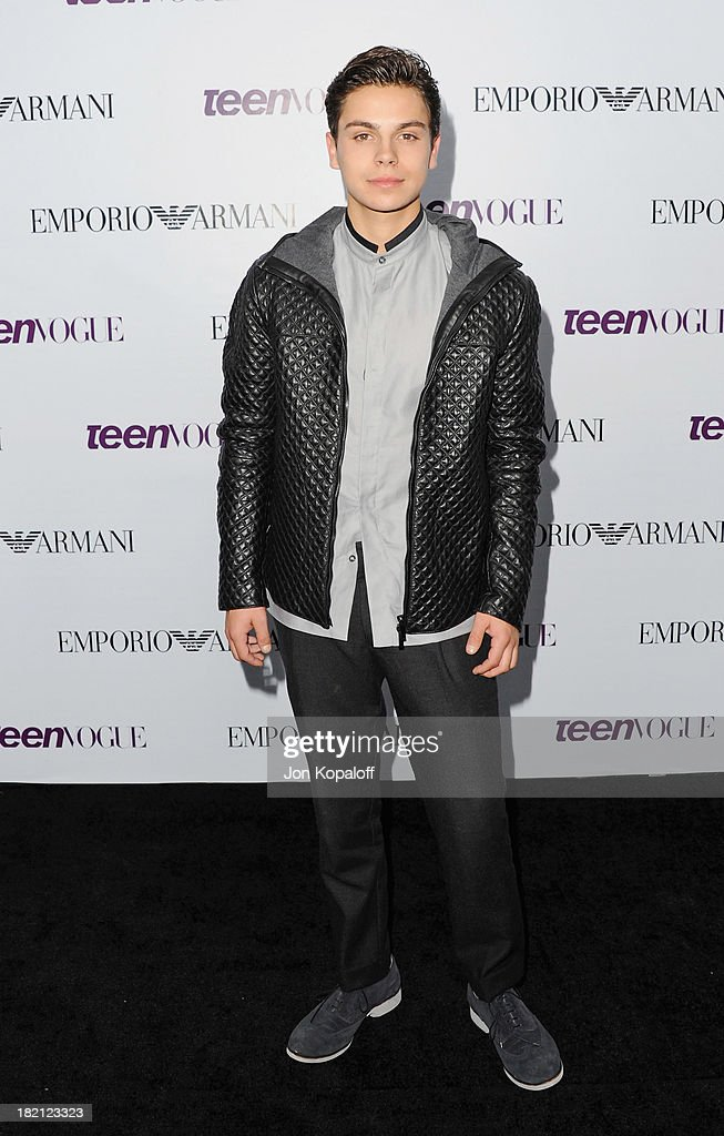 Actor <a gi-track='captionPersonalityLinkClicked' href=/galleries/search?phrase=Jake+T.+Austin&family=editorial&specificpeople=709221 ng-click='$event.stopPropagation()'>Jake T. Austin</a> arrives at the 2013 Teen Vogue Young Hollywood Awards on September 27, 2013 in Los Angeles, California.