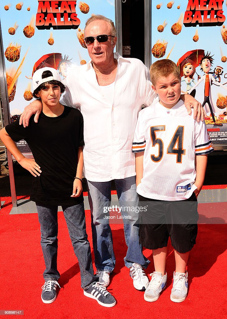 Actor James Caan attends the premiere of 'Cloudy With A Chance Of Meatballs' at Mann Village Theatre on September 12, 2009 in Westwood, Los Angeles, California.
