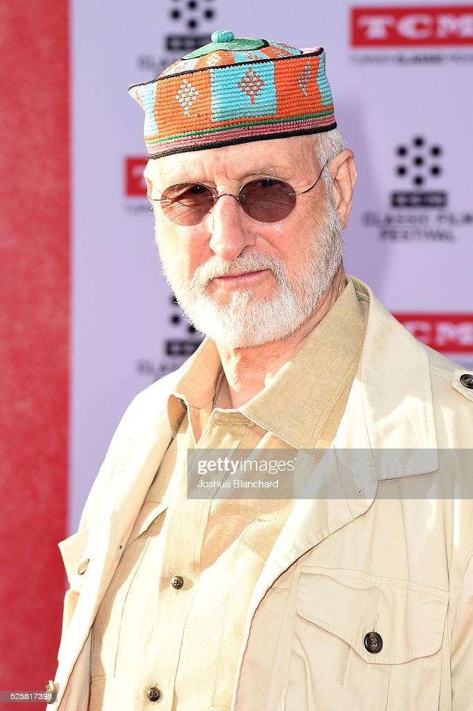 Actor <a gi-track='captionPersonalityLinkClicked' href=/galleries/search?phrase=James+Cromwell&family=editorial&specificpeople=211295 ng-click='$event.stopPropagation()'>James Cromwell</a> arrives at TCM Classic Film Festival 2016 Opening Night Gala 40th Anniversary Screening of 'All The President's Men' at TCL Chinese Theatre IMAX on April 28, 2016 in Hollywood, California.