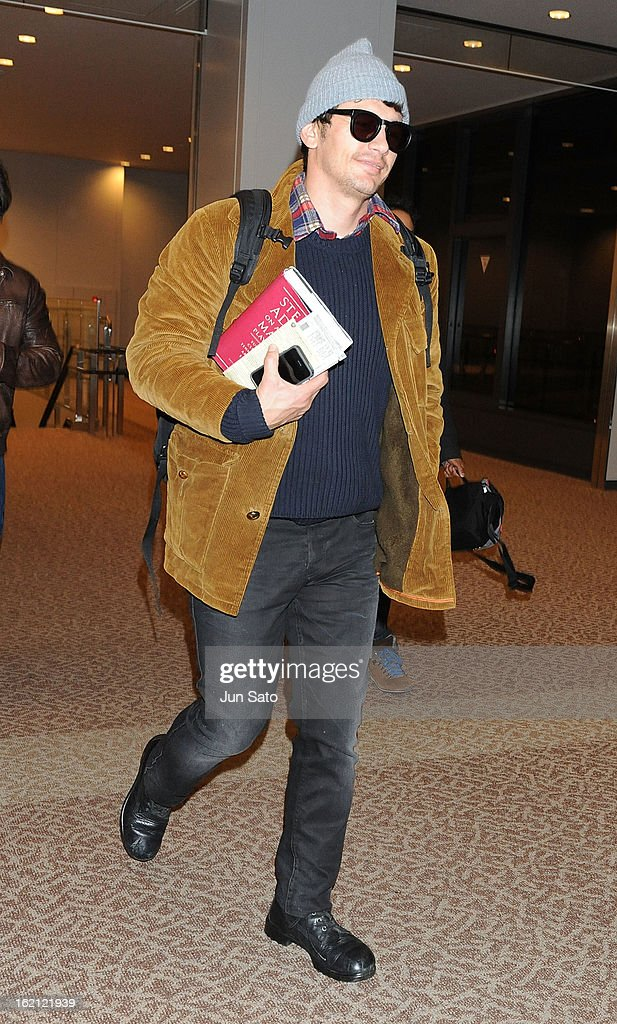 Actor <a gi-track='captionPersonalityLinkClicked' href=/galleries/search?phrase=James+Franco&family=editorial&specificpeople=577480 ng-click='$event.stopPropagation()'>James Franco</a> arrives at Narita International Airport on February 19, 2013 in Narita, Japan.