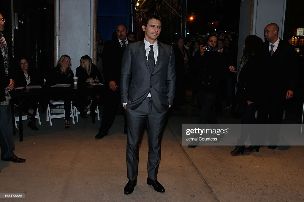 Actor <a gi-track='captionPersonalityLinkClicked' href=/galleries/search?phrase=James+Franco&family=editorial&specificpeople=577480 ng-click='$event.stopPropagation()'>James Franco</a> arrives at the Gucci and The Cinema Society screening of 'Oz the Great and Powerful' at the DGA Theater on March 5, 2013 in New York City.