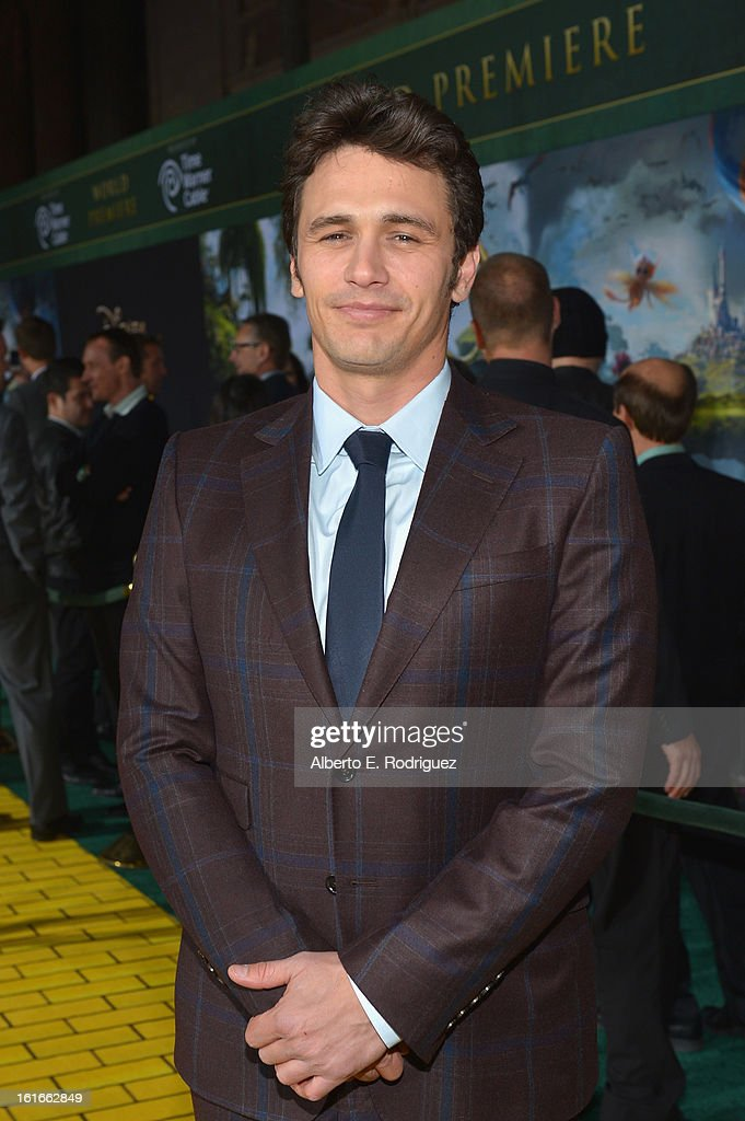 Actor <a gi-track='captionPersonalityLinkClicked' href=/galleries/search?phrase=James+Franco&family=editorial&specificpeople=577480 ng-click='$event.stopPropagation()'>James Franco</a> attends Walt Disney Pictures World Premiere of 'Oz The Great And Powerful' - Red Carpet at the El Capitan Theatre on February 13, 2013 in Hollywood, California.