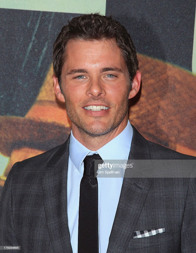 Actor <a gi-track='captionPersonalityLinkClicked' href=/galleries/search?phrase=James+Marsden&family=editorial&specificpeople=206902 ng-click='$event.stopPropagation()'>James Marsden</a> attends the '2 Guns' New York Premiere at SVA Theater on July 29, 2013 in New York City.