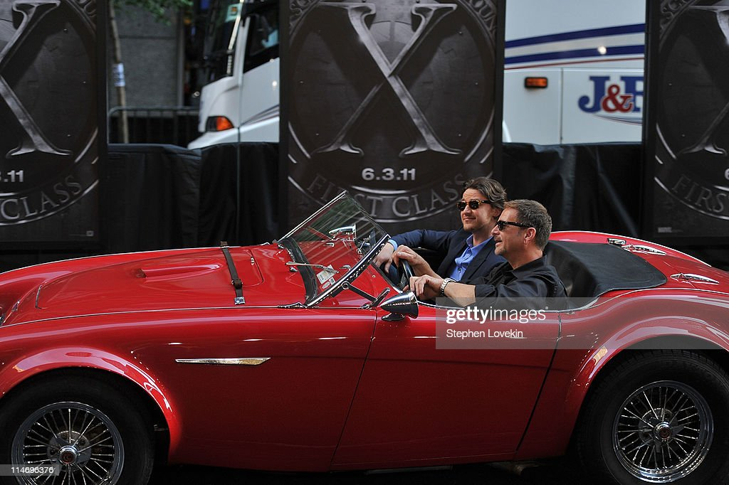 Actor <a gi-track='captionPersonalityLinkClicked' href=/galleries/search?phrase=James+McAvoy&family=editorial&specificpeople=647005 ng-click='$event.stopPropagation()'>James McAvoy</a> arrives in a vintage car to the 'X-Men: First Class' New York Premiere at the Ziegfeld Theatre on May 25, 2011 in New York City.