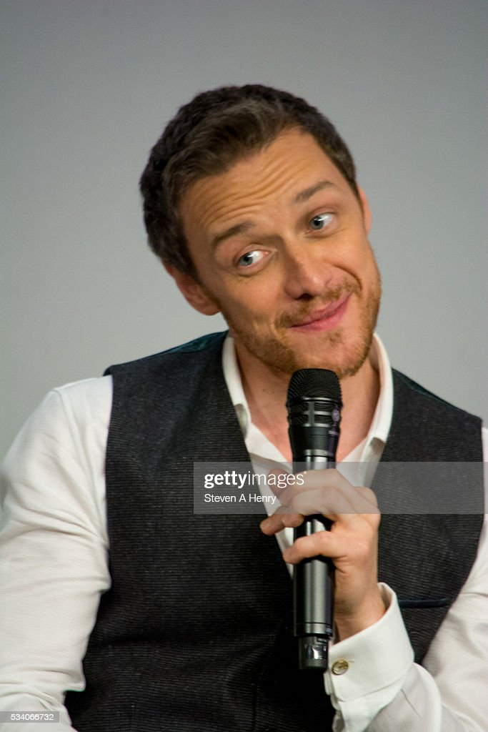 Actor <a gi-track='captionPersonalityLinkClicked' href=/galleries/search?phrase=James+McAvoy&family=editorial&specificpeople=647005 ng-click='$event.stopPropagation()'>James McAvoy</a> attends Meet the Cast: 'X-Men Apocalypse' at Apple Store Soho on May 24, 2016 in New York City.