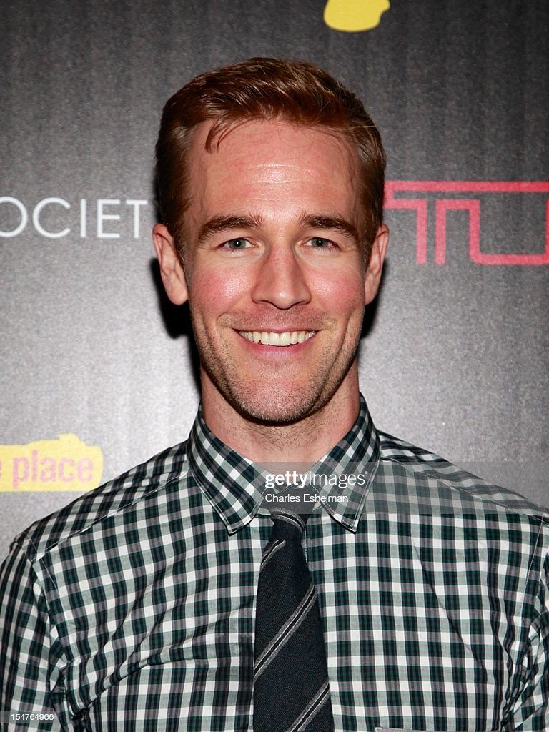 Actor <a gi-track='captionPersonalityLinkClicked' href=/galleries/search?phrase=James+Van+Der+Beek&family=editorial&specificpeople=539017 ng-click='$event.stopPropagation()'>James Van Der Beek</a> attends the Weinstein Company, The Cinema Society & Tumi screening of 'This Must Be the Place' at the Tribeca Grand Screening Room on October 25, 2012 in New York City.