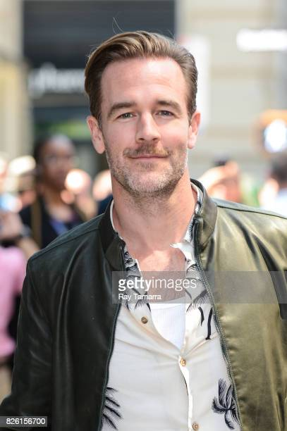 Actor James Van Der Beek leaves the 'AOL Build' taping at the AOL Studios on August 03 2017 in New York City