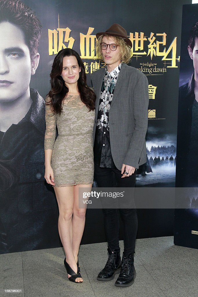 Actor <a gi-track='captionPersonalityLinkClicked' href=/galleries/search?phrase=Jamie+Campbell+Bower&family=editorial&specificpeople=4586724 ng-click='$event.stopPropagation()'>Jamie Campbell Bower</a> and actress <a gi-track='captionPersonalityLinkClicked' href=/galleries/search?phrase=Elizabeth+Reaser&family=editorial&specificpeople=550324 ng-click='$event.stopPropagation()'>Elizabeth Reaser</a> attend the 'Twilight Saga: Breaking Dawn Part 2' press conference on December 12, 2012 in Hong Kong, Hong Kong.