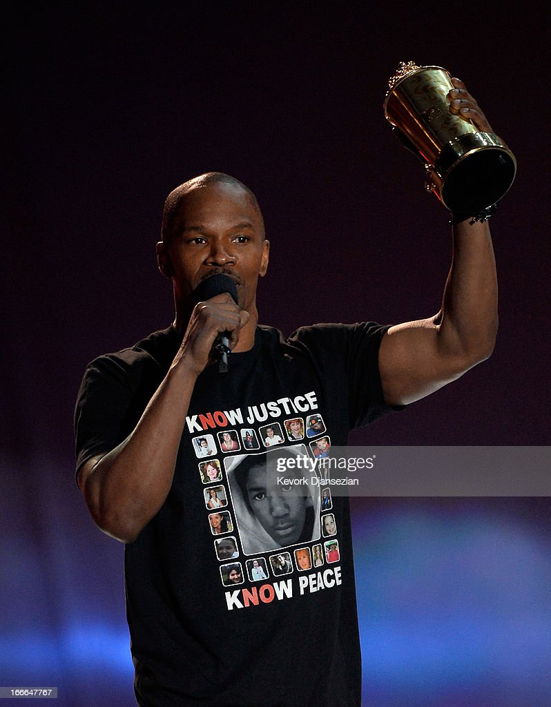 Actor <a gi-track='captionPersonalityLinkClicked' href=/galleries/search?phrase=Jamie+Foxx&family=editorial&specificpeople=201715 ng-click='$event.stopPropagation()'>Jamie Foxx</a> accepts the MTV Generation Award onstage during the 2013 MTV Movie Awards at Sony Pictures Studios on April 14, 2013 in Culver City, California.