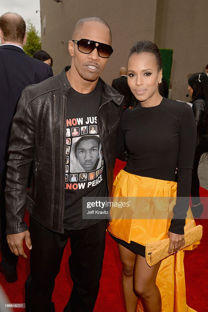 Actor Jamie Foxx (L) and actress Kerry Washington attend the 2013 MTV Movie Awards at Sony Pictures Studios on April 14, 2013 in Culver City, California.
