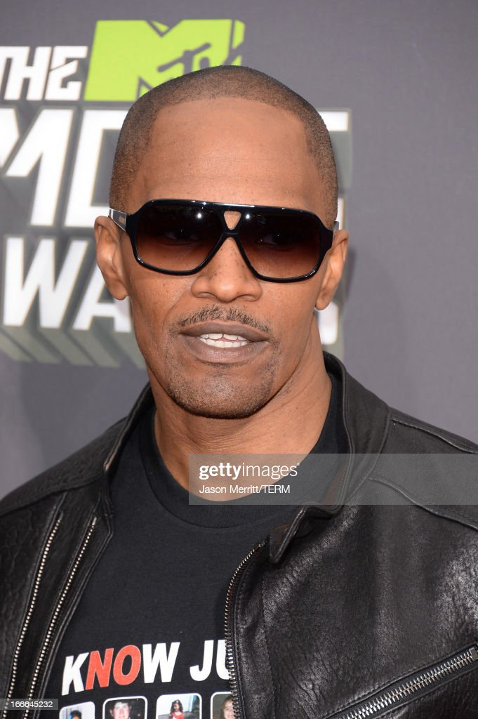 Actor Jamie Foxx arrives at the 2013 MTV Movie Awards at Sony Pictures Studios on April 14, 2013 in Culver City, California.