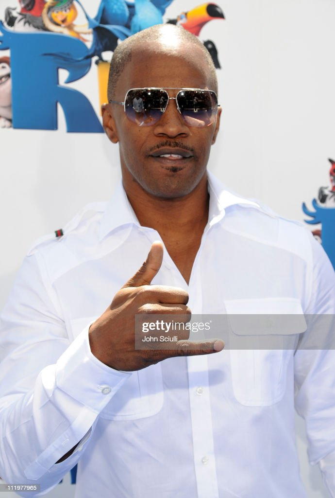 Actor <a gi-track='captionPersonalityLinkClicked' href=/galleries/search?phrase=Jamie+Foxx&family=editorial&specificpeople=201715 ng-click='$event.stopPropagation()'>Jamie Foxx</a> arrives for the premiere of Twentieth Century Fox & Blue Sky Studios' 'RIO' on April 10, 2011 in Hollywood, California.