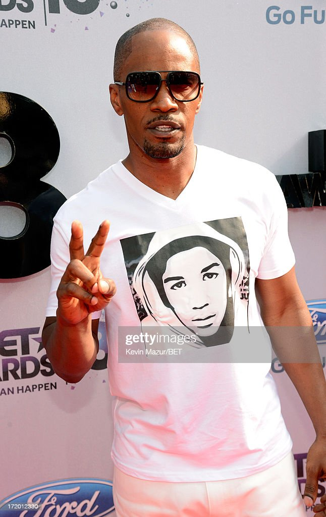 Actor <a gi-track='captionPersonalityLinkClicked' href=/galleries/search?phrase=Jamie+Foxx&family=editorial&specificpeople=201715 ng-click='$event.stopPropagation()'>Jamie Foxx</a> attends the Ford Red Carpet at the 2013 BET Awards at Nokia Theatre L.A. Live on June 30, 2013 in Los Angeles, California.