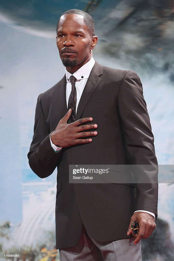Actor <a gi-track='captionPersonalityLinkClicked' href=/galleries/search?phrase=Jamie+Foxx&family=editorial&specificpeople=201715 ng-click='$event.stopPropagation()'>Jamie Foxx</a> attends the 'White House Down' Germany premiere at CineStar on September 2, 2013 in Berlin, Germany.