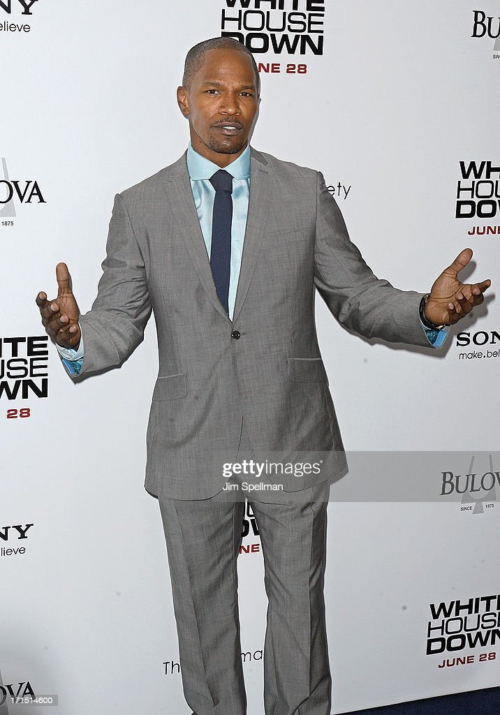 Actor <a gi-track='captionPersonalityLinkClicked' href=/galleries/search?phrase=Jamie+Foxx&family=editorial&specificpeople=201715 ng-click='$event.stopPropagation()'>Jamie Foxx</a> attends 'White House Down' New York Premiere at Ziegfeld Theater on June 25, 2013 in New York City.