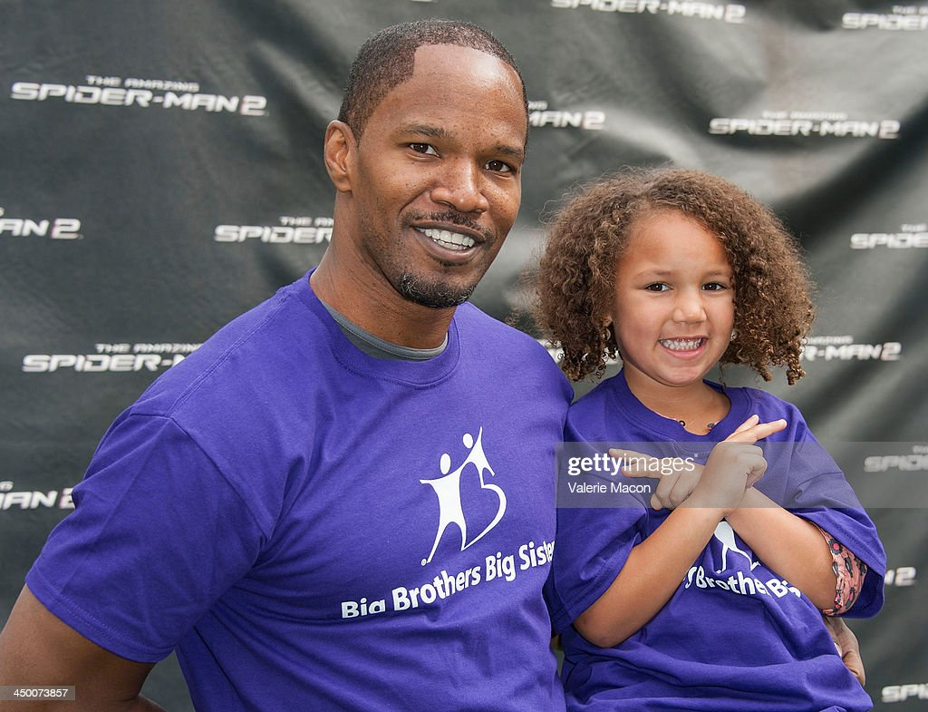 Actor <a gi-track='captionPersonalityLinkClicked' href=/galleries/search?phrase=Jamie+Foxx&family=editorial&specificpeople=201715 ng-click='$event.stopPropagation()'>Jamie Foxx</a> poses at 'The Amazing Spiderman 2' Los Angeles Photo Call at Sony Pictures Studios on November 16, 2013 in Culver City, California.