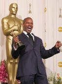 Actor Jamie Foxx with his award for 'Best Actor in a Leading Role' for 'Ray' poses backstage during the 77th Annual Academy Awards on February 27...