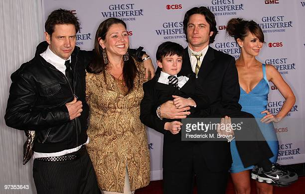 Actor Jamie Kennedy actress Camryn Manheim actor Connor Gibbs actor David Conrad and actress Jennifer Love Hewitt attend the 'Ghost Whisperer' 100th...