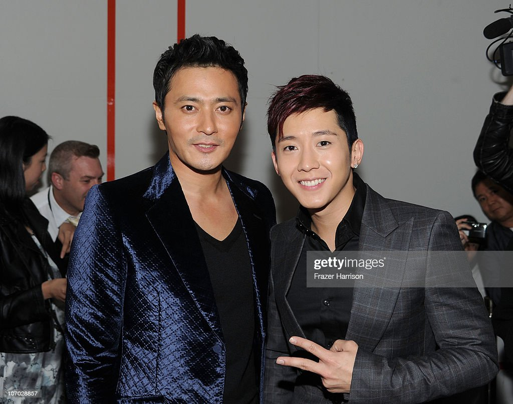 Actor <a gi-track='captionPersonalityLinkClicked' href=/galleries/search?phrase=Jang+Dong-gun&family=editorial&specificpeople=630208 ng-click='$event.stopPropagation()'>Jang Dong-gun</a> (L) and singer Brian Joo of the band Fly To The Sky arrive at 'The Warrior's Way' screening held at CGV Cinemas on November 19, 2010 in Los Angeles, California.