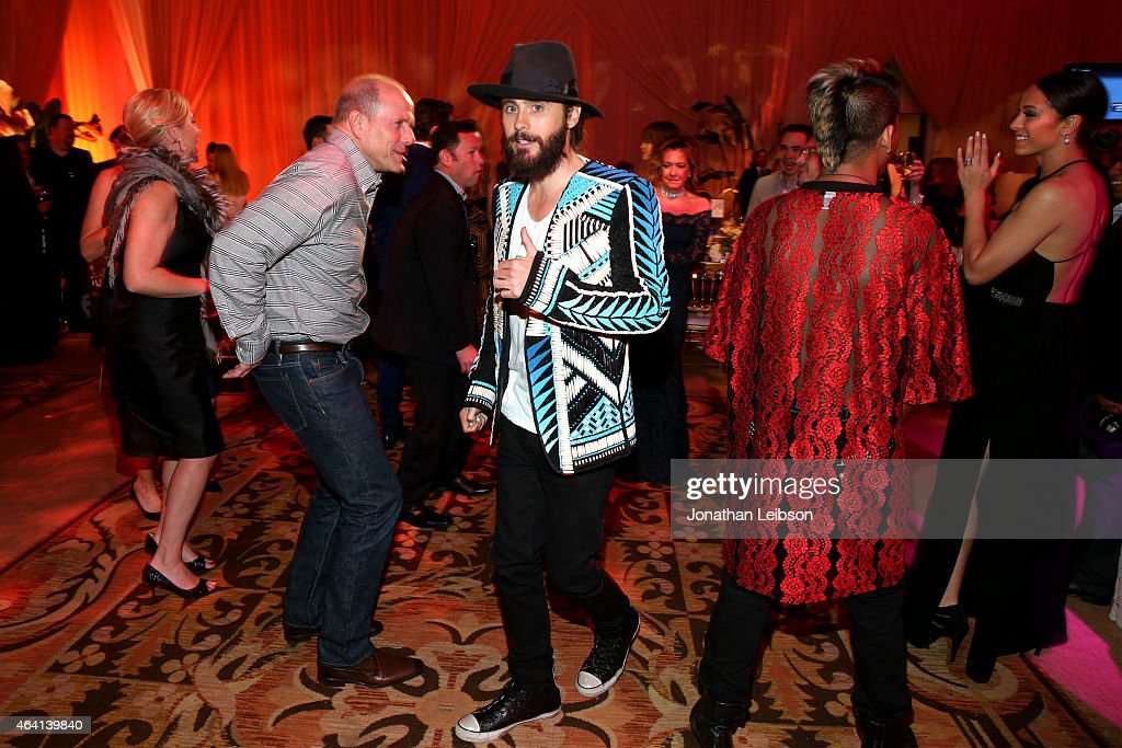 Actor Jared Leto (C) attends The Weinstein Company's Academy Awards Nominees Dinner in partnership with Chopard, DeLeon Tequila, FIJI Water and MAC Cosmetics on February 21, 2015 in Los Angeles, California.