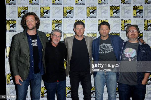 Actor Jared Padalecki writer/producer Robert Singer actors Jensen Ackles and Misha Collins and writer/producer Andrew Dabb at the 'Supernatural'...